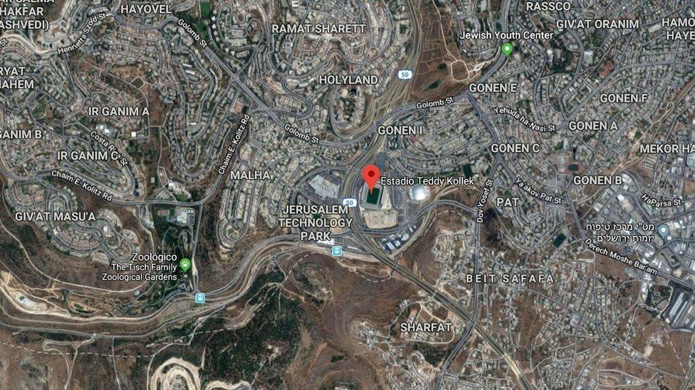 El Estadio Teddy Kollek se encuentra en el suroeste de Jerusalén, en el antiguo barrio Malha.