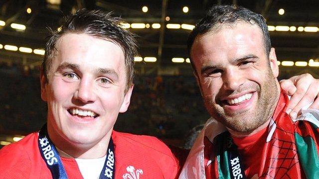 Jonathan Davies and Jamie Roberts