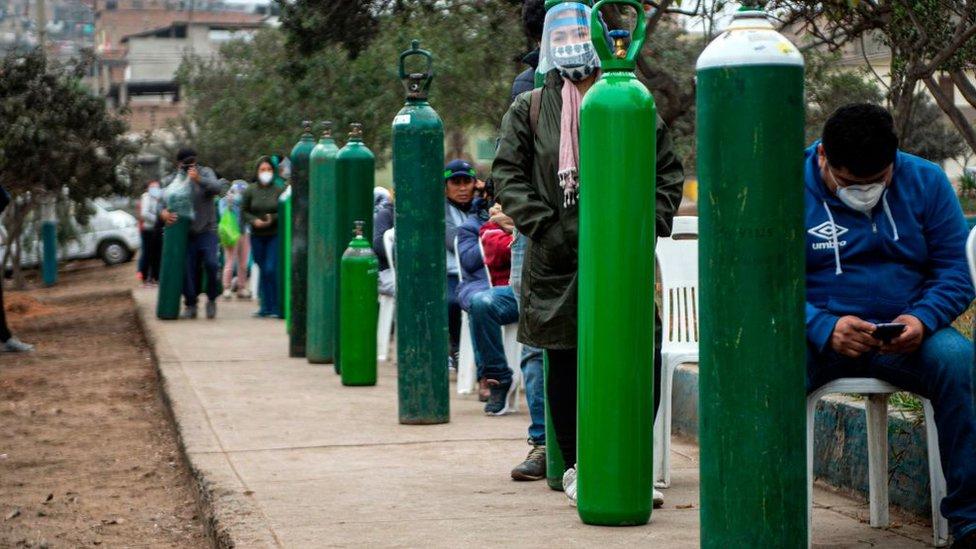 A ausência de oxigênio também foi um problema durante a pandemia no Peru.