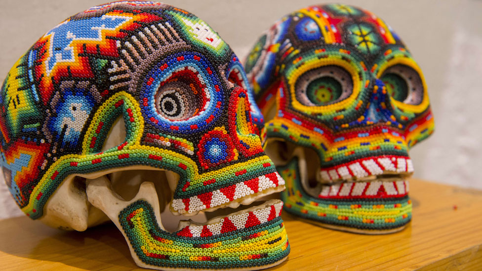 Calaveras decoradas.