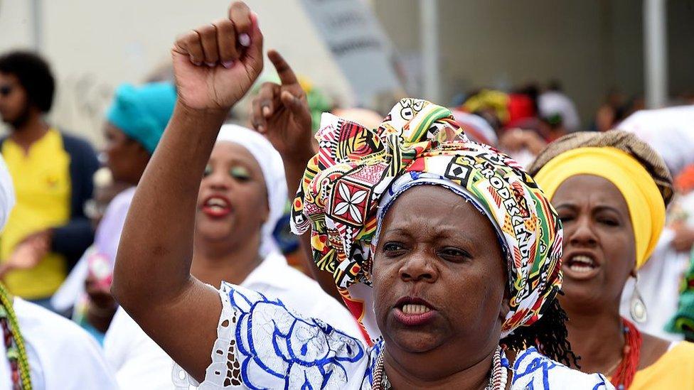 En Brasil, hay decenas de millones de afrodescendientes.