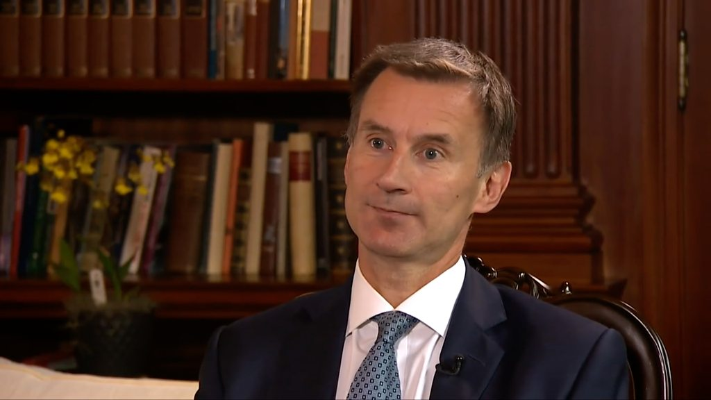 Hunt defends UK-Saudi ties after Yemen bus deaths