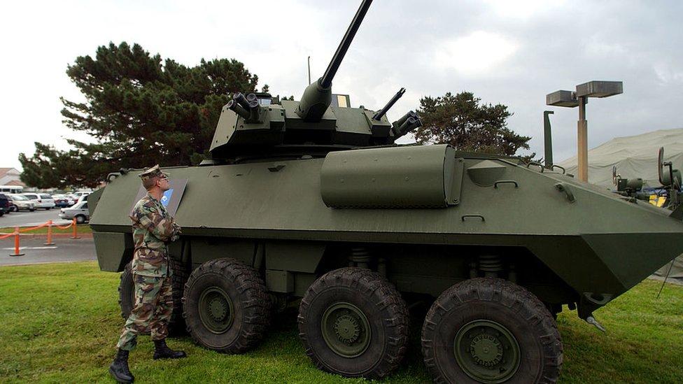 LAV-25.