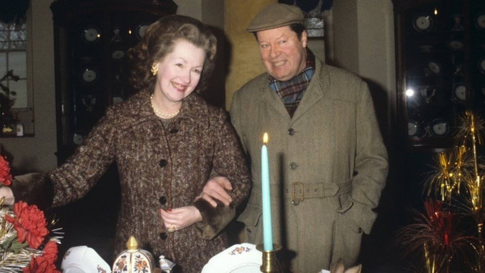 Princess Diana S Stepmother Raine Spencer Dies At 87 Bbc News