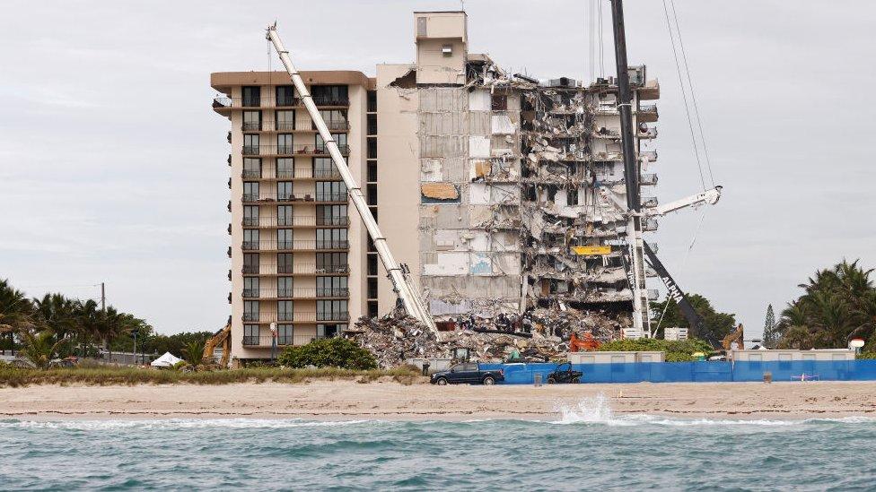 Colpaso de edificio en Miami