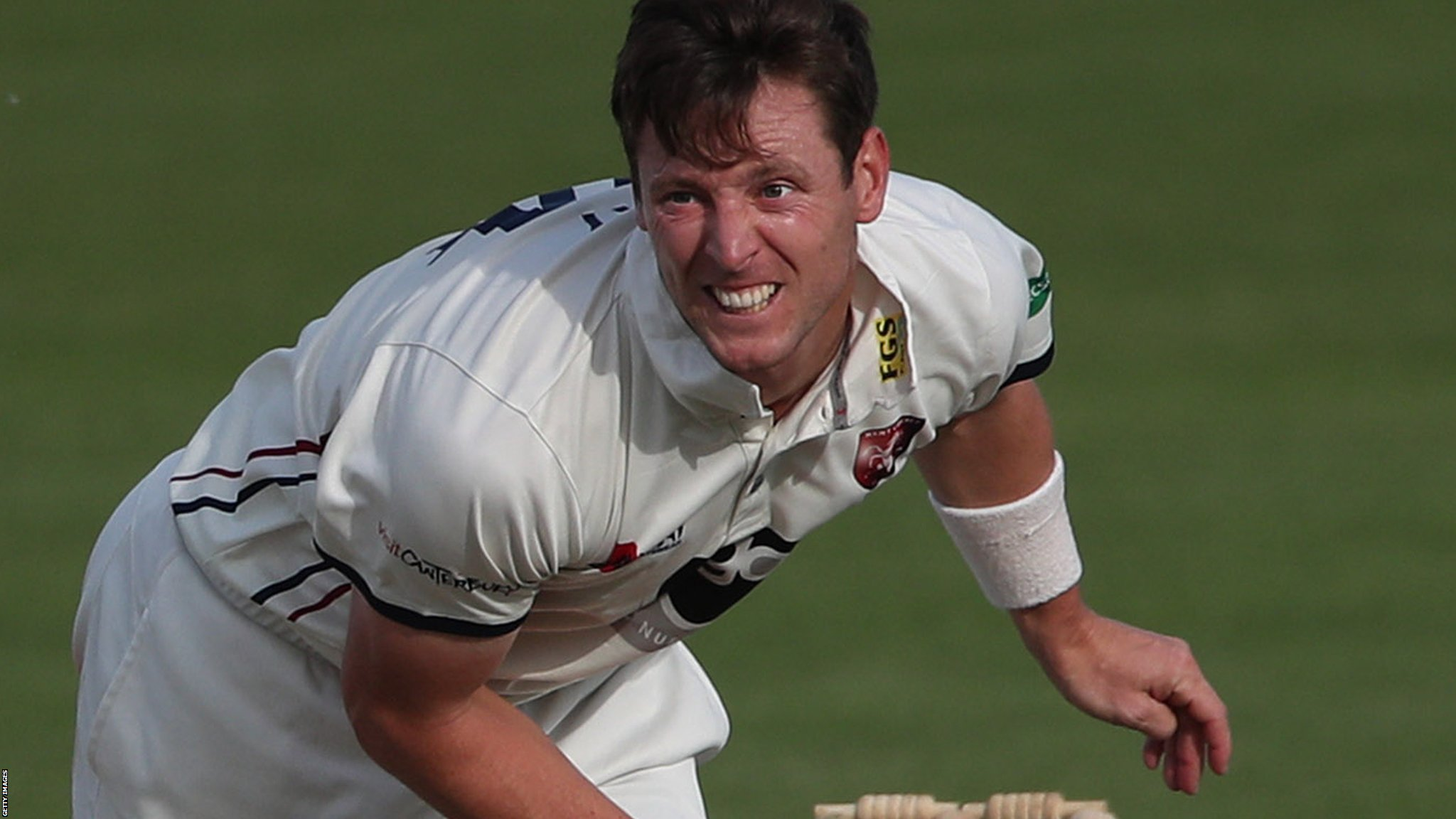 County Championship: Matt Henry puts Kent in control against Glamorgan
