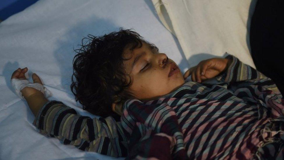 Banyak anak yang luka dalam serangan ini, selain setidaknya 20 anak tewas.