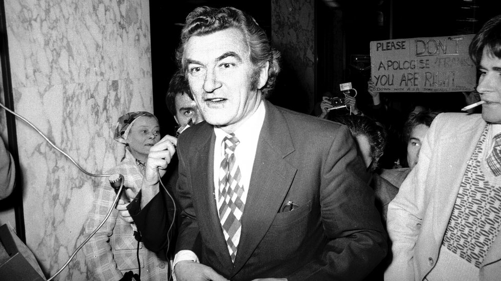 Bob Hawke, arrives at the Boulevard Hotel in Sydney to see Frank Sinatra during his 1974 Australian tour