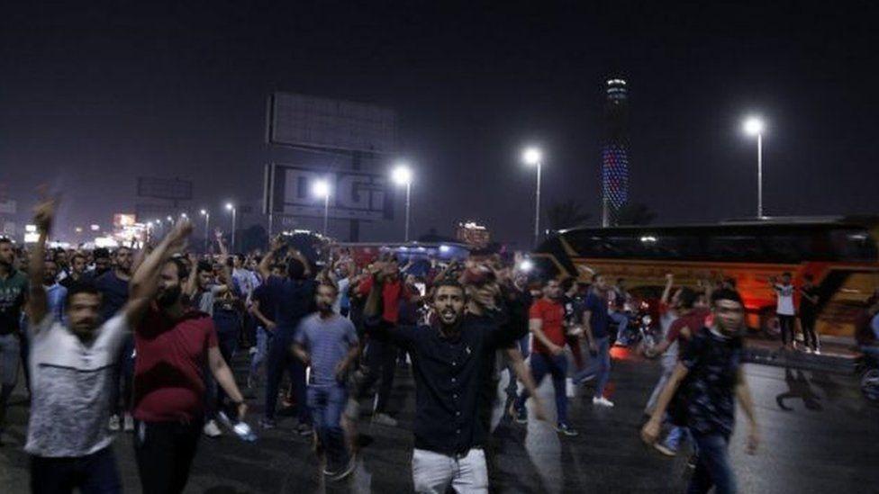 خرجت مظاهرات ليلية محدودة لعدة أيام ضد الرئيس السيسي