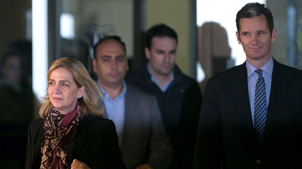 Infanta Cristina de Borbón e Iñaki Urdangarin a la salida del tribunal en Palma de Mallorca