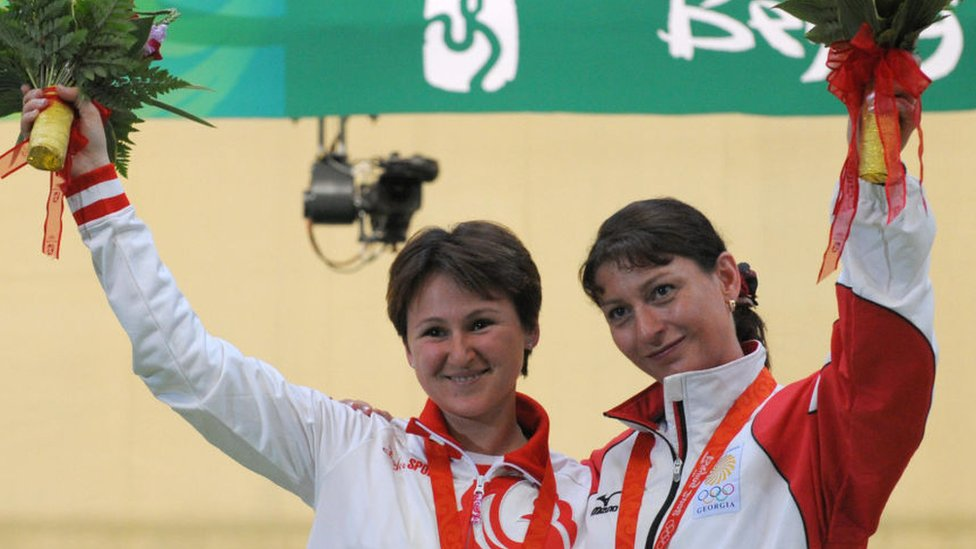 Nino Salukvadze y Natalia Paderina.
