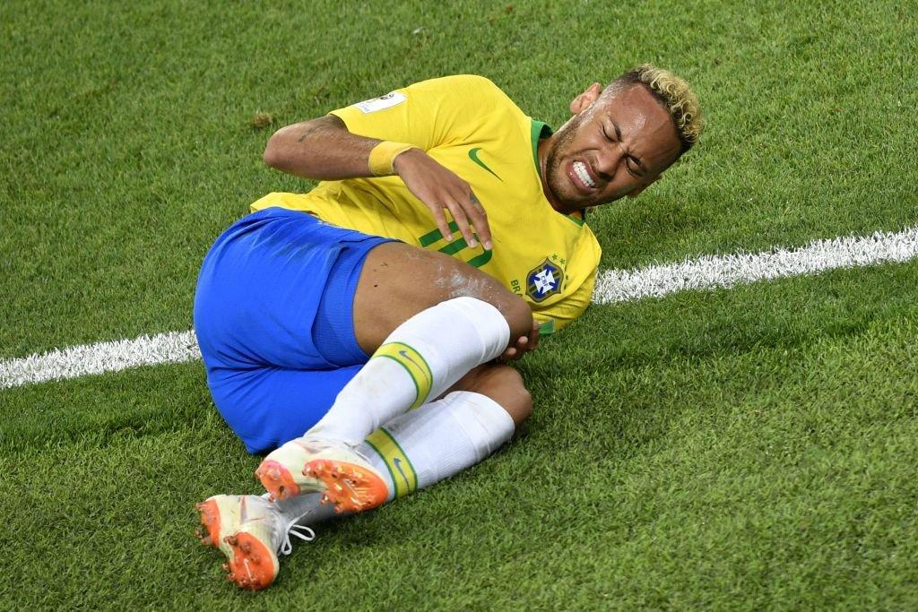 Neymar fue el segundo jugador que recibió más faltas (26) del Mundial por detrás de Hazard (27).