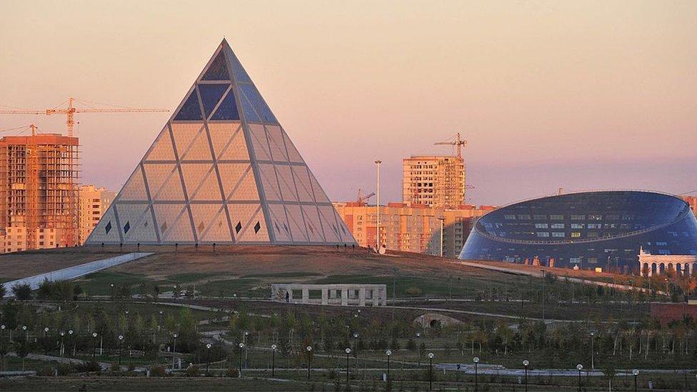 Renuncia de Nursultán Nazarbayev: así es la faraónica capital de Kazajistán que ...