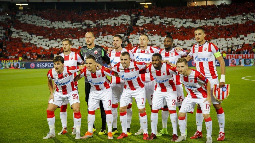 Igrači Zvezde pred početak utakmice sa Napolijem u Ligi šampiona