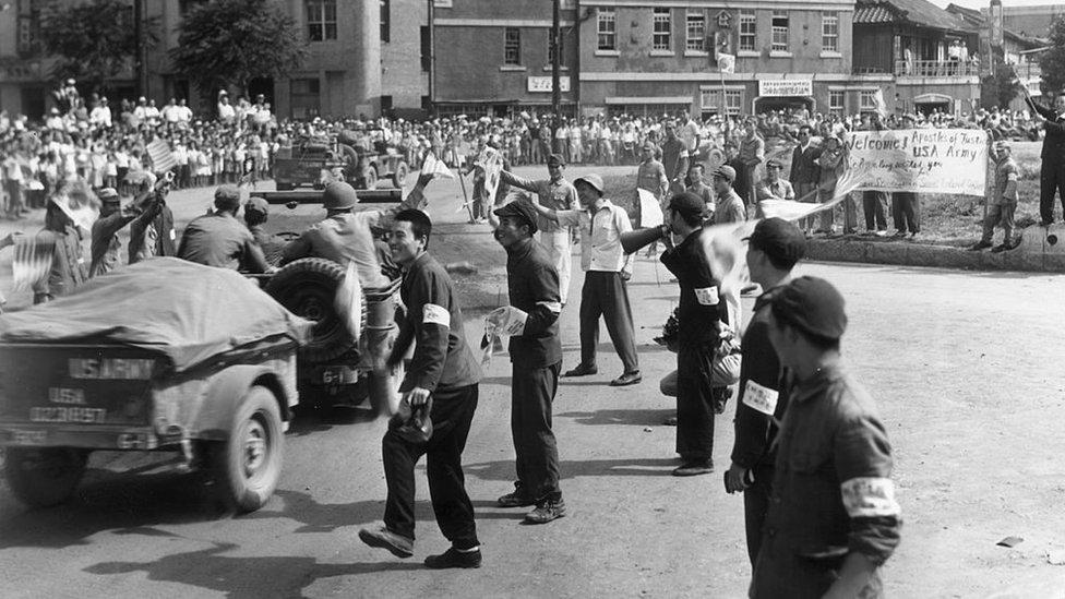 En octubre de 1945, la llegada de las tropas estadounidenses a Corea del Sur puso fin a más de tres décadas de dominio nipón.