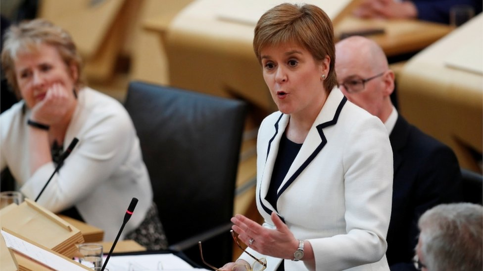 Scottish independence: Sturgeon wants indyref2 by 2021