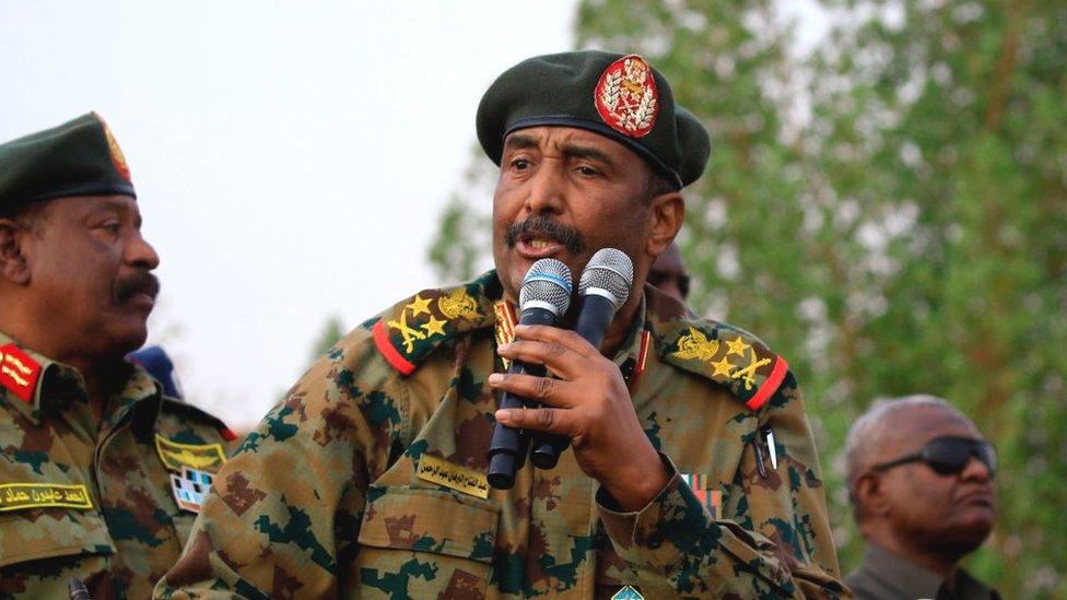 البرهان: نتجه إلى سلام يصنع سودان المواطنة