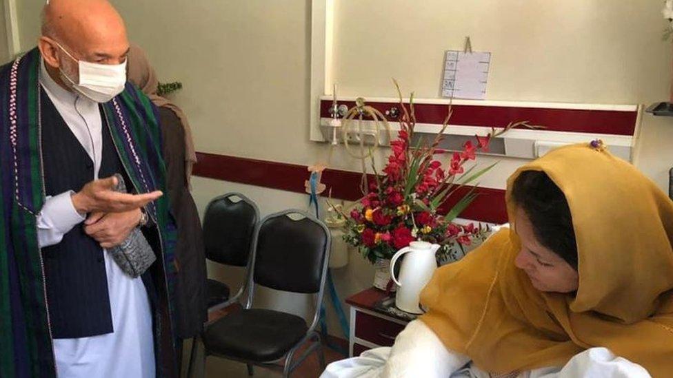 Hamid Karzai dan Fawzia Koofi
