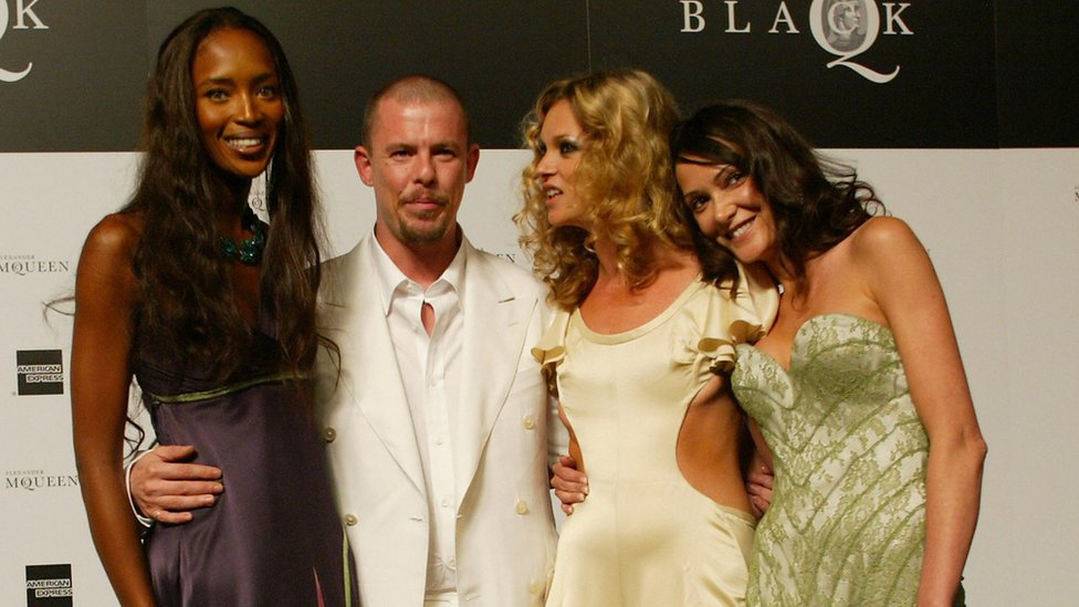 Naomi Campbell, Alexander McQueen, Kate Moss and Annabelle Neilson at the 'Black' charity auction and fashion show in London 03 June, 2004.