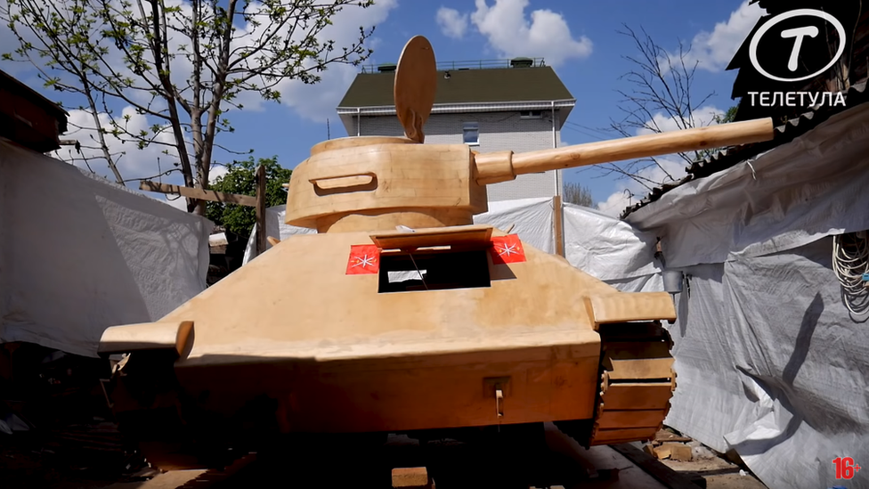 Carpenter made a full-size wooden tank, Tula, Russia, 2019