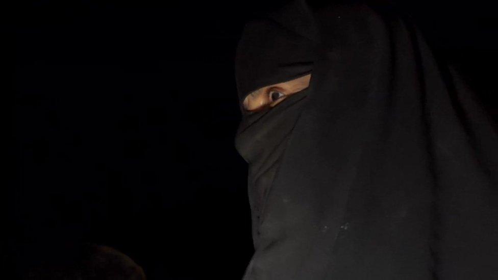 Una mujer con un hiyab