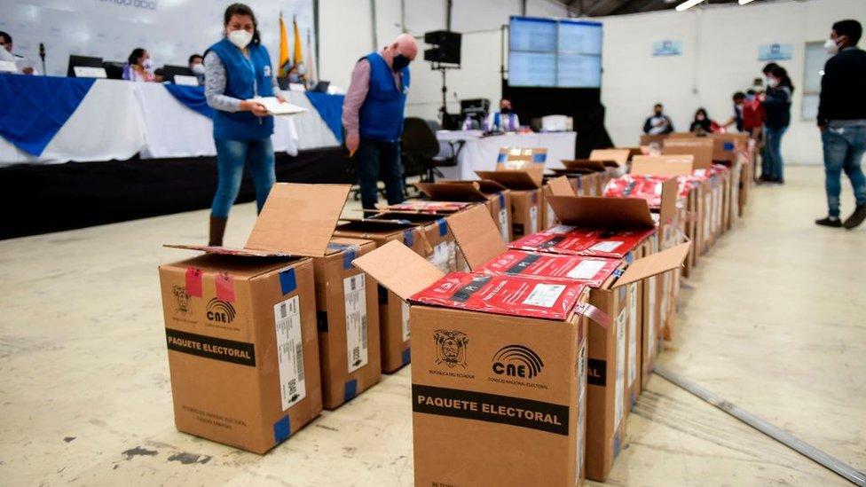 Recuento de votos en Ecuador (primera vuelta)