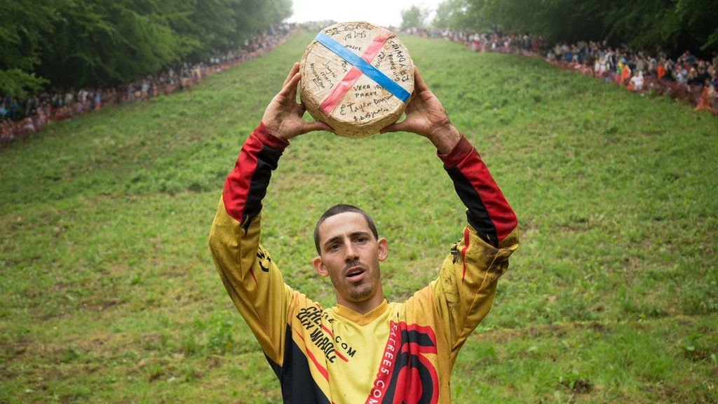 Gloucester Cheese Rolling Veteran Breaks All Time Record Bbc News