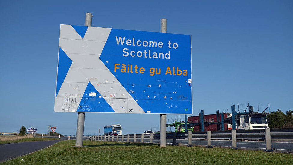 welcome to Scotland sign