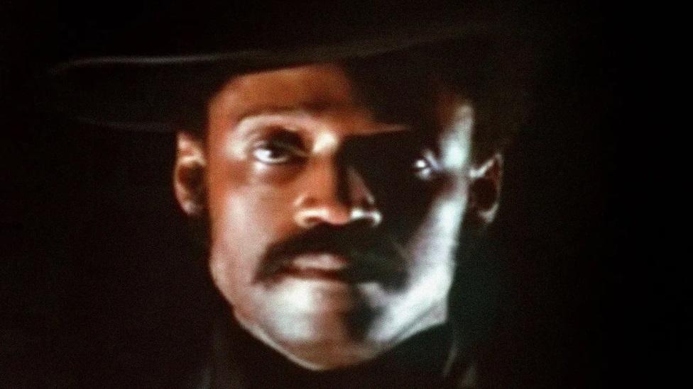 """Legendarni bleksploatacijski film Melvina Van Piblsa """"Pesma Svit Svitbeka"""" predstavio je polciiju kao silu bele suprematističke moći"""