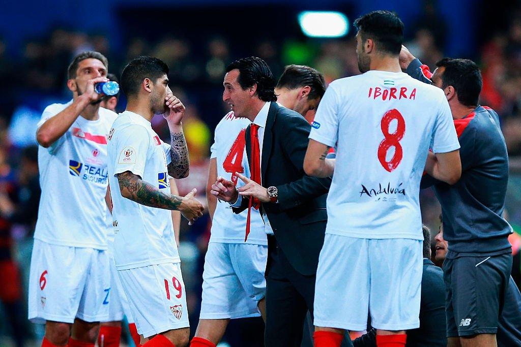 Una de las fortalezas que se cree tiene Emery es su cercana relación con los jugadores que dirige.