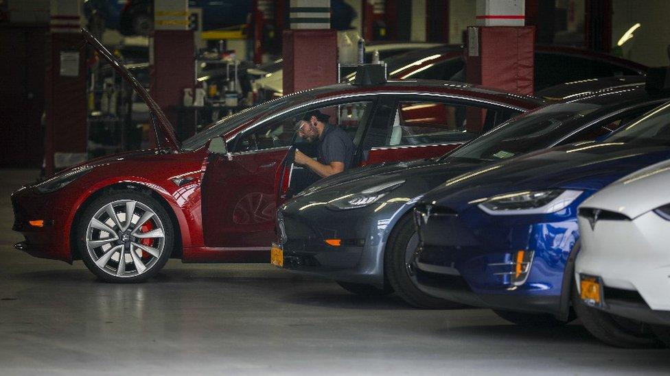 Autos Tesla