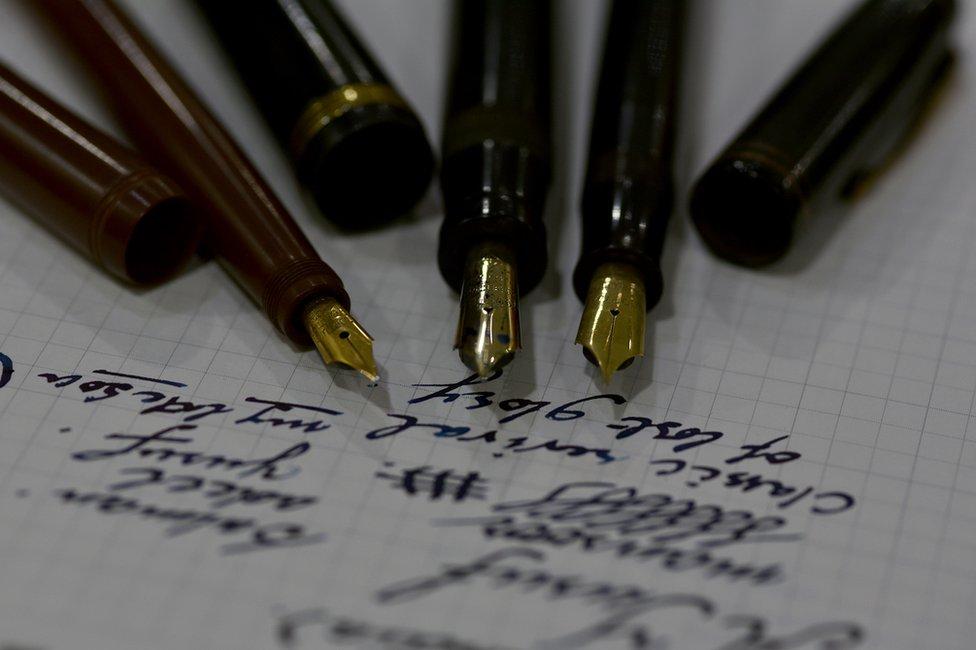 Yusuf Mansoor pen