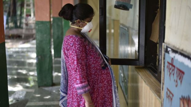 Hindistan'da koronavirüs kadınların kürtaj olanaklarına ulaşmasında zorluk yaratıyor