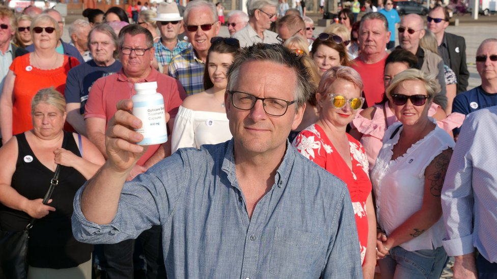 Michael Mosley with some of those who took part in the experiment
