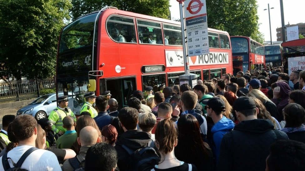 Queues for buses during Tube strike