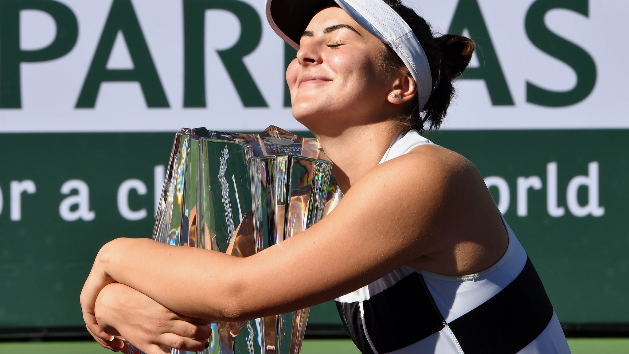 Wildcard Andreescu wins Indian Wells title