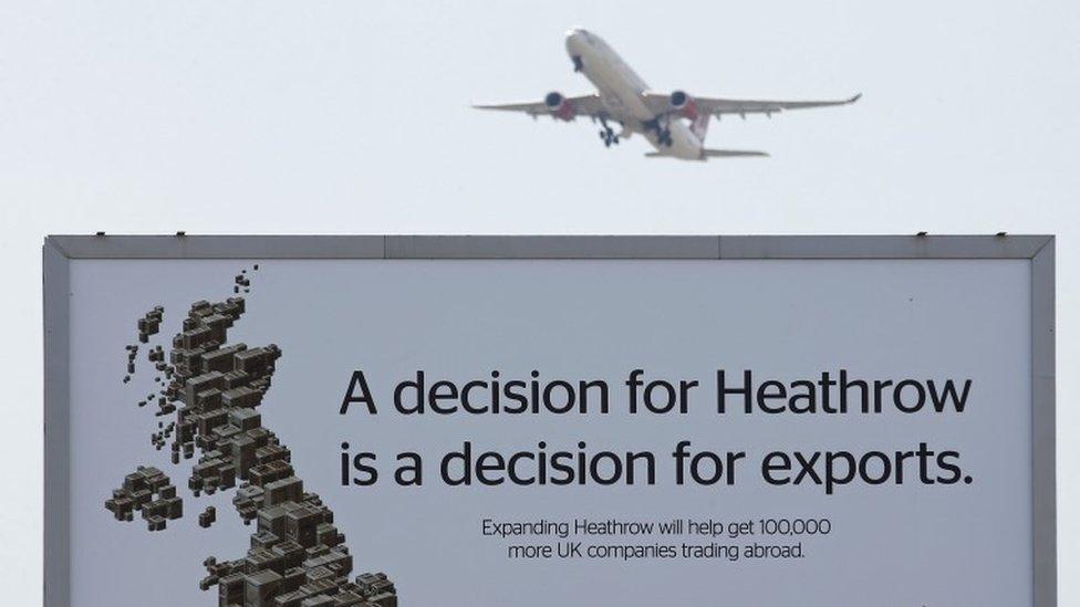 Plane flies over advert arguing for third runway at Heathrow