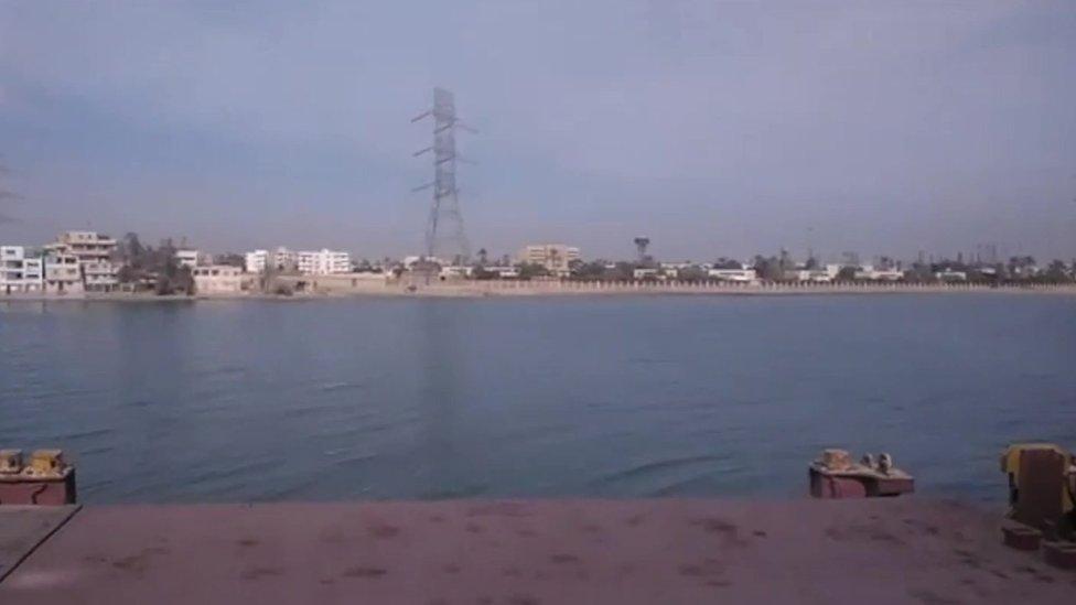 Pemandangan pantai Laut Merah Mesir dari kapal kargo yang ditelantarkan MV Aman.