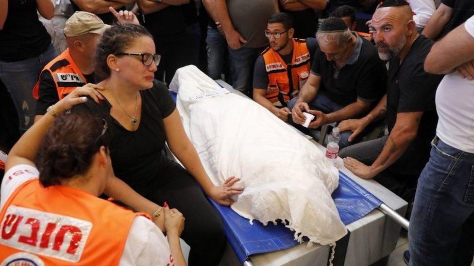 Pemakaman warga Israel, Yotam Ovadia yang mati ditusuk pihak Palestina pada bulan Juli.