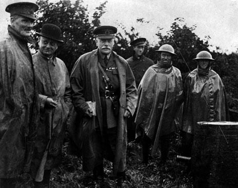 General Haig visits the troops, 1916