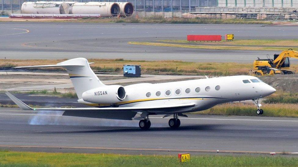Pesawat jet pribadi dengan nomer N155AN yang membawa Ghosn ke Haneda, Tokyo, di hari penangkapannya.