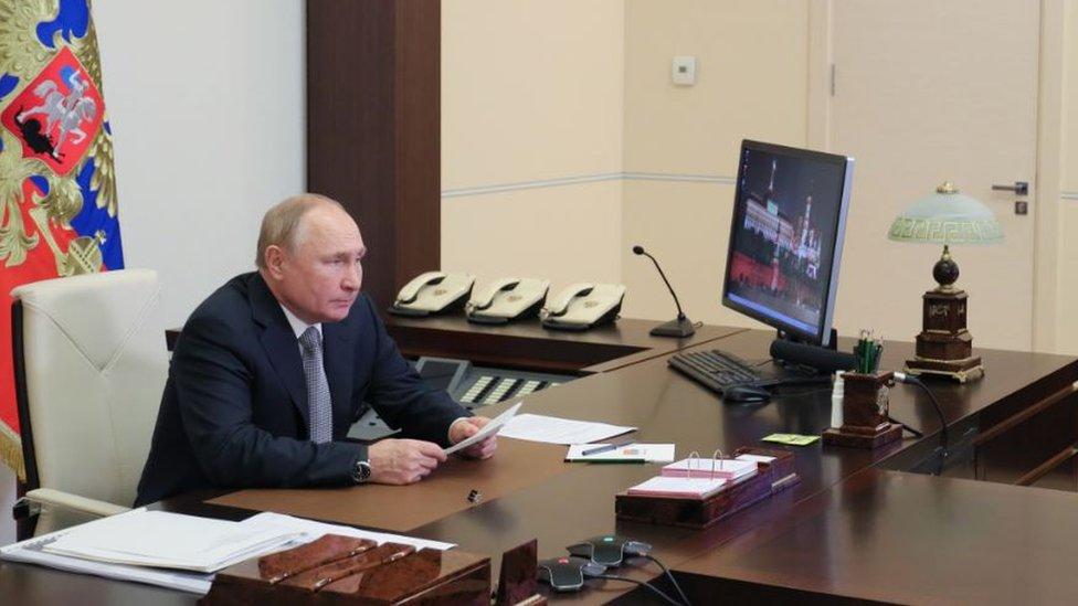Путин объявил дни с 30 октября по 7 ноября нерабочими из-за роста Covid-19