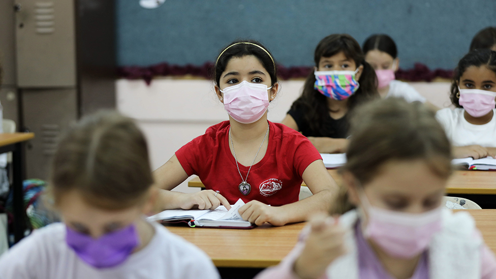 Niñas en un colegio en Jerusalén