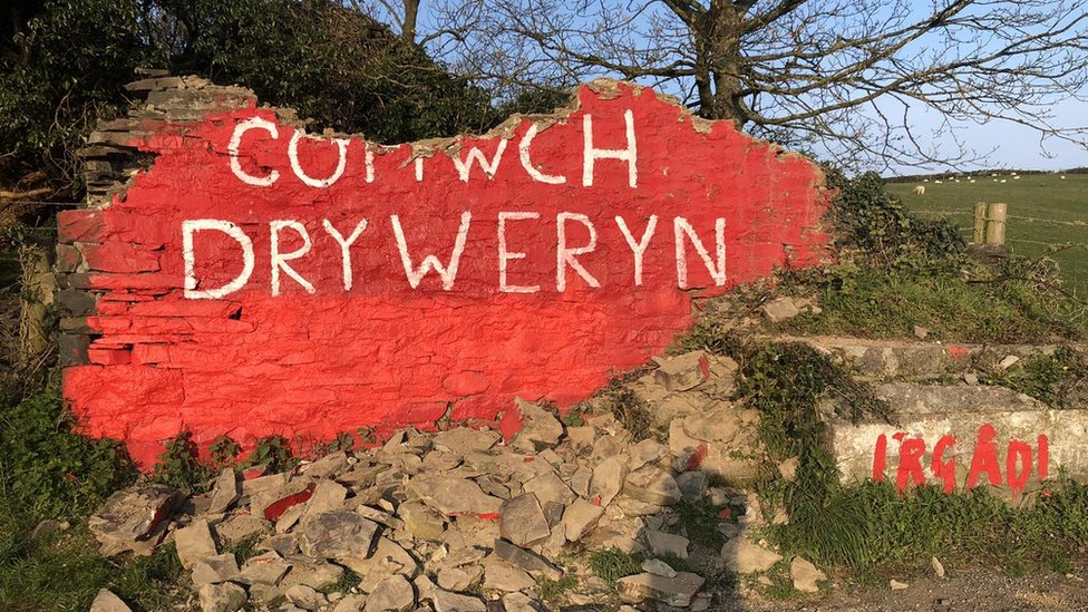 Damage to the Tryweryn wall mural in April 2019
