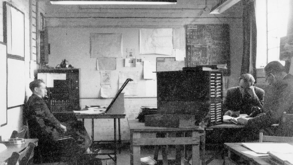 Los criptógrafos del servicio secreto británico se reunían en Bletchley Park, en Buckinghamshire, Inglaterra para analizar las comunicaciones de los nazis.