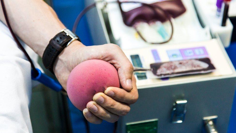 El NHS espera corregir el desequilibrio de género en las donaciones de sangre.