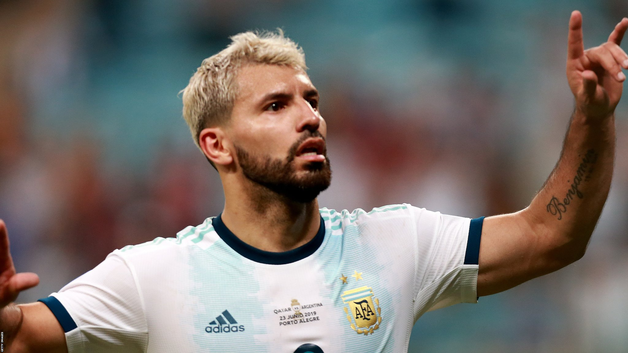 Copa America: Sergio Aguero helps Argentina beat Qatar 2-0 to reach quarter-finals
