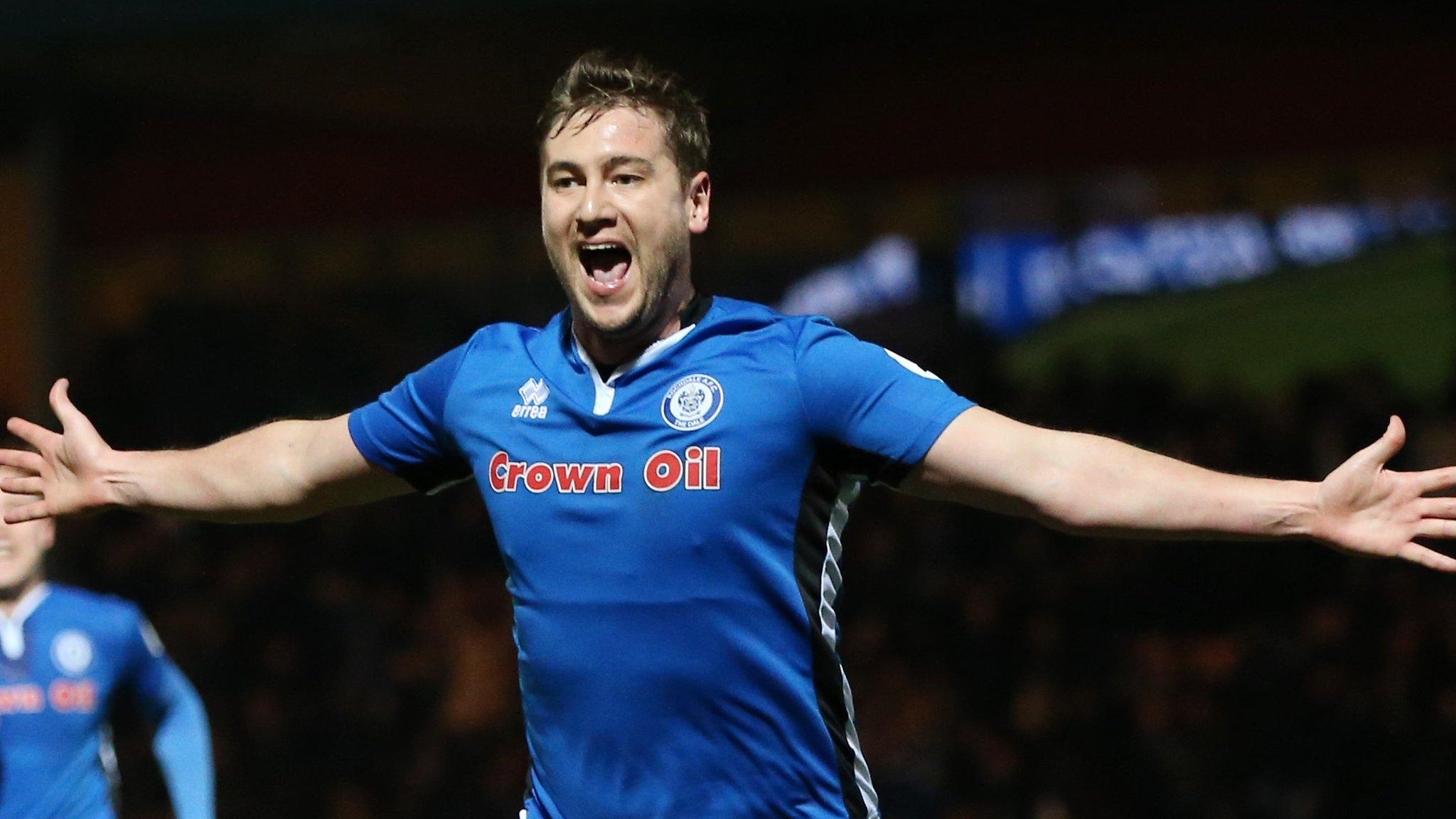 Steve Davies joins Hamilton Accies after striker's Blackpool release