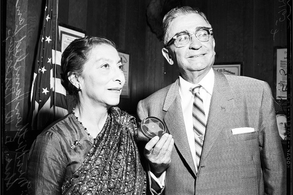 The pioneering lawyer who fought for women's suffrage in India thumbnail