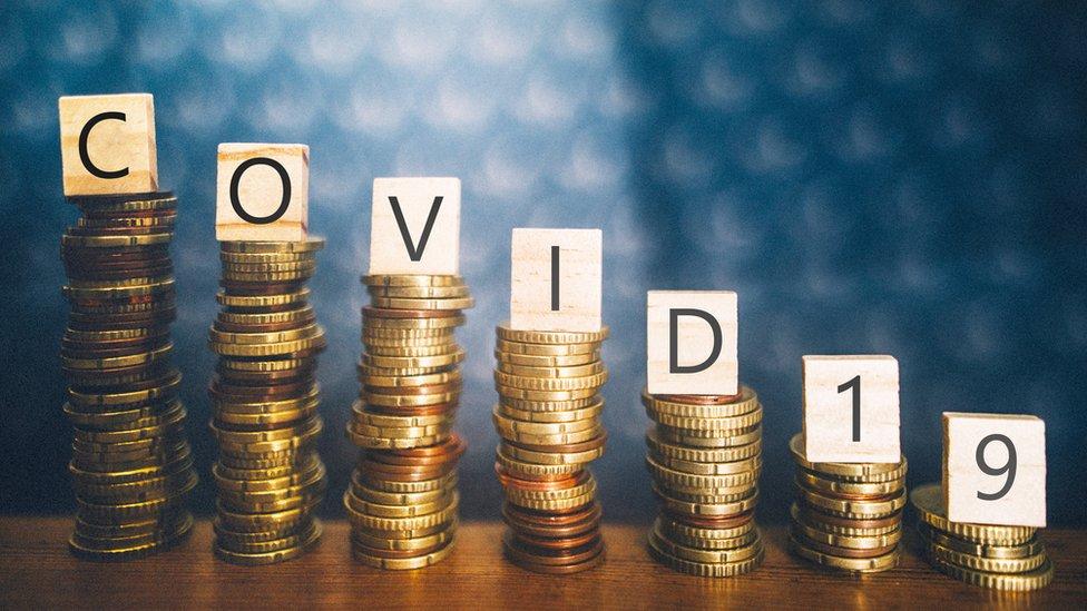 Covid-19 e moedas